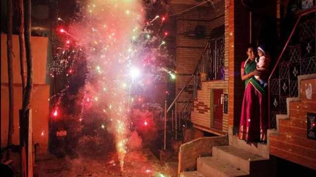 राज्य सरकारें तय करेंगी कौन से 2 घंटे पटाखे फोड़ सकेंगे लोग: सुप्रीम कोर्ट