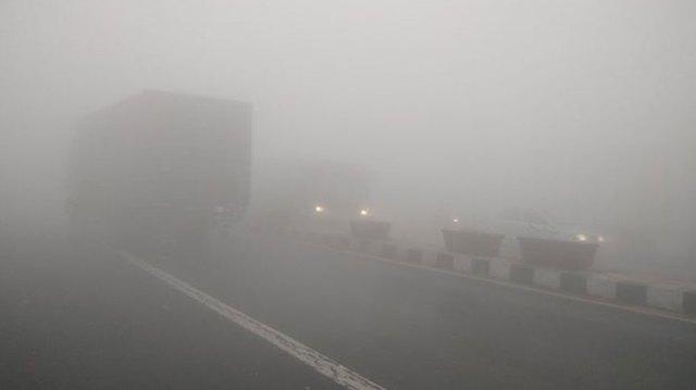 fog on yamuna bridge delhi
