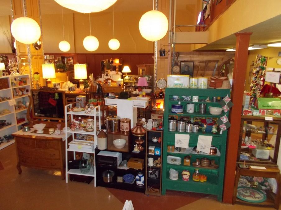 2Cs Antiques and Vintage Vendor Mall home decor