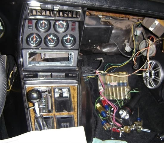 turn signal flasher location corvetteforum chevrolet corvette regarding 1977 corvette fuse box diagram 1975 corvette fuse box 1975 free wiring diagrams 2003 corvette fuse box location at creativeand.co