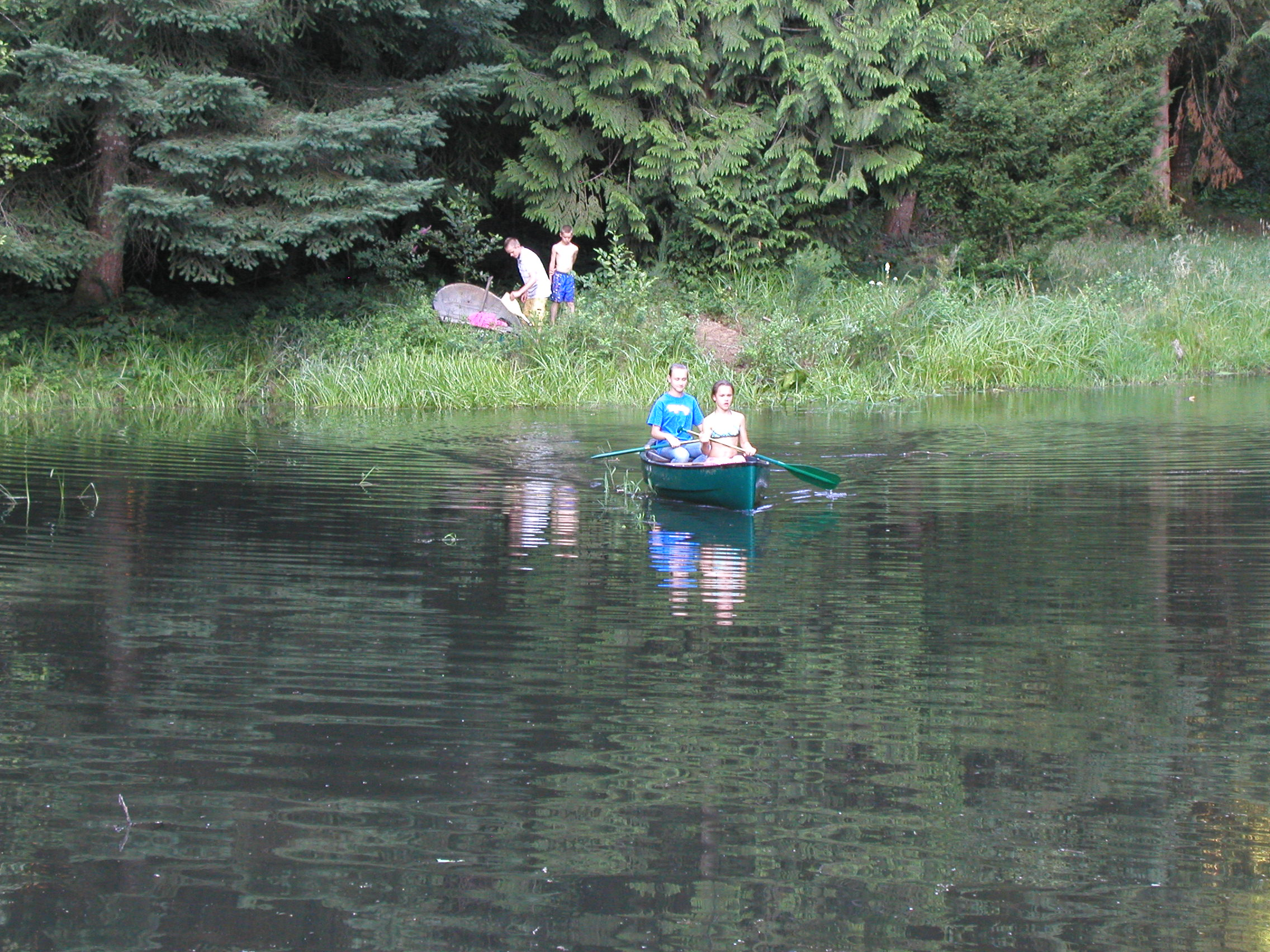 6 girls canoe