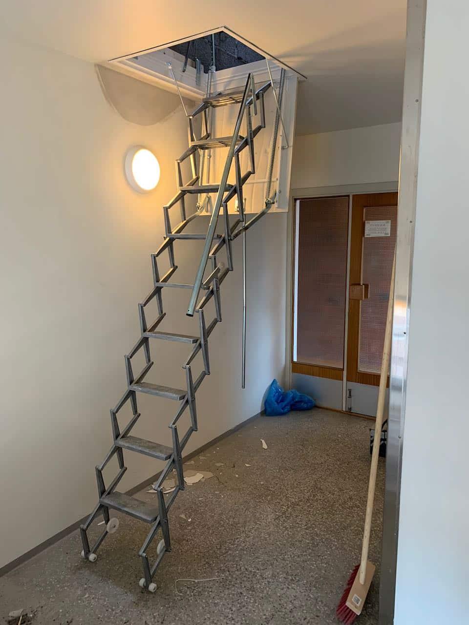 Den nye trappen helt utslått og klar til bruk