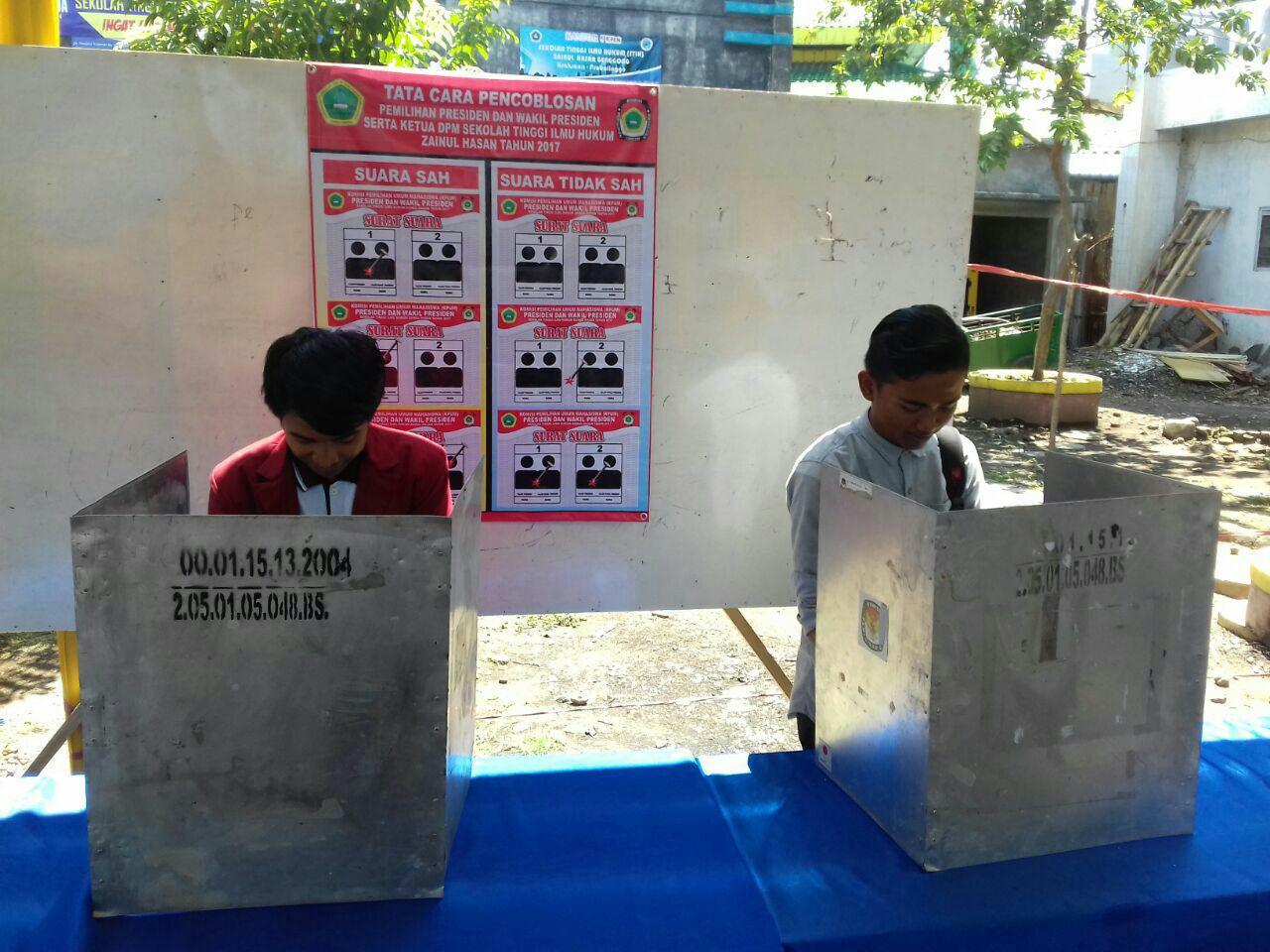 Panwaslu Kabupaten Probolinggo Ikut Mencoblos Pilpres di STIH ZAHA