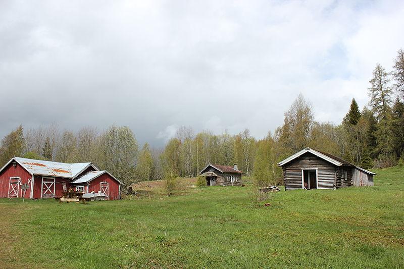 Dette er låven og noen av husene på Orala. Et fint eksempel på et skogfinsk torp.
