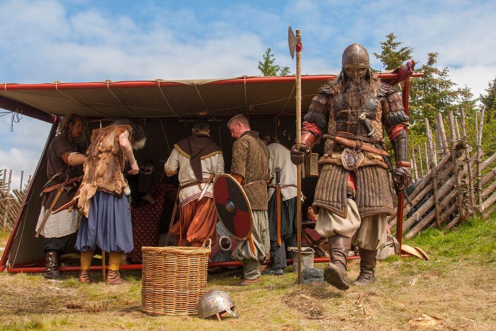 Fra en vikingfestival på Avaldsnes der de levere som ekte vikinger.