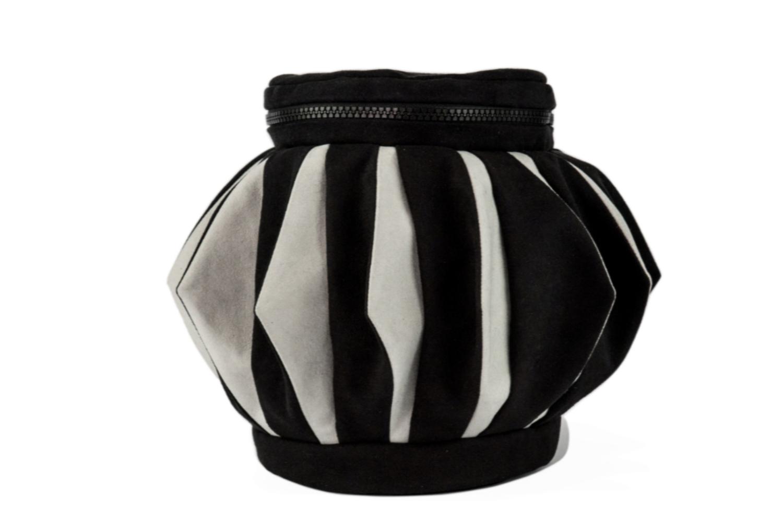 Stil-Stengel Textilkunst Tasche ROSETTE schwarz weiss
