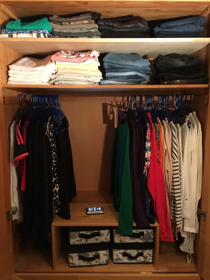 kleiderschrankcheck - einräumen