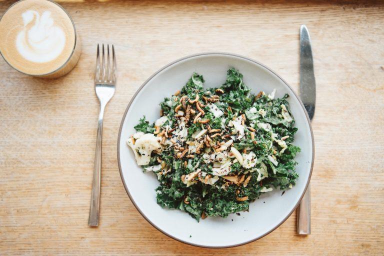 Het blijkt dat de beste boerenkoolsalade op Swedish Hill in Austin is – en ze deelden het recept.
