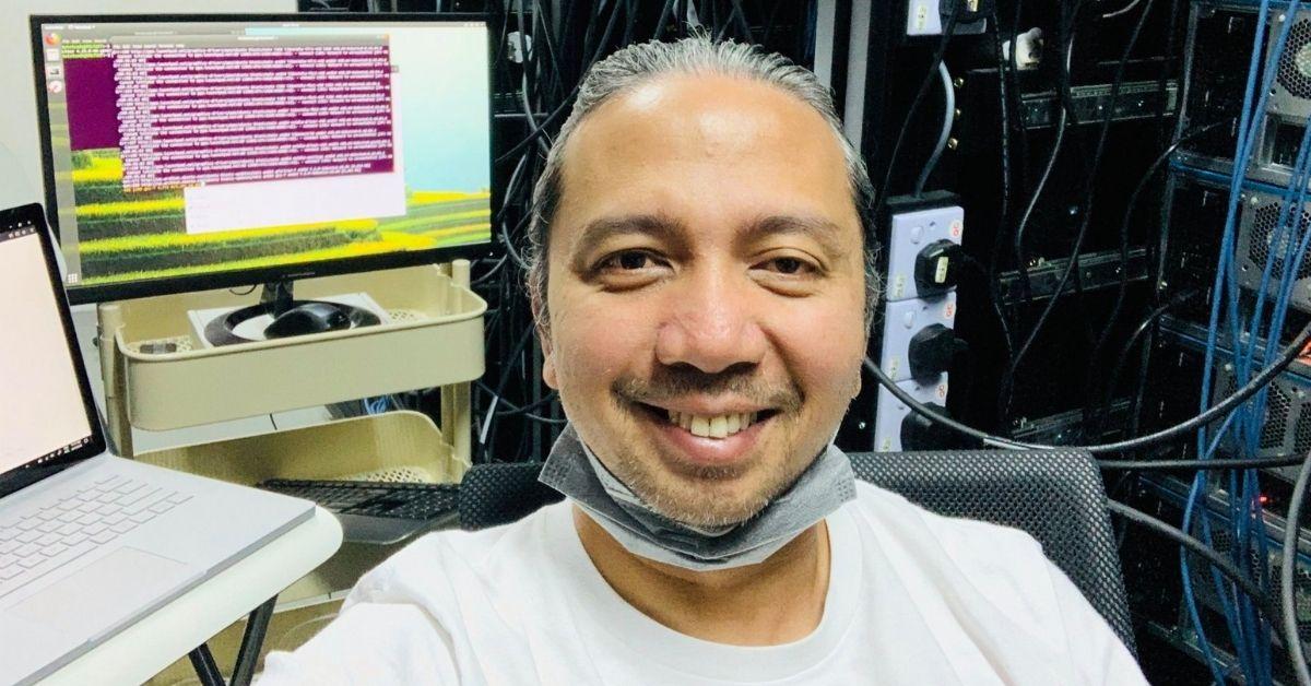 Het in Cyberjaya gevestigde bedrijf verlegt de grenzen door een 4-daags werkweekschema te implementeren  Supercomputer- en AI-oplossingenprovider Twistcode heeft aangekondigd dat het vanaf 23 juli 2021 een 4-daagse werkweek zal implementeren. Dit maakt het mogelijk het eerste Maleisische bedrijf dat aankondigt dat het dit doet, maar als we het hebben over bedrijven in Maleisië die 4-daagse werkweken hebben, is een bedrijf dat dit sinds december 2020 doet, de in Australië gevestigde Commission Factory . Terwijl Commission Factory het aan hun werknemers overliet om zelf te beslissen op welke weekdag ze vertrekt, heeft Twistcode verklaard dat haar werknemers van maandag tot en met donderdag zullen werken, van 9.00 tot 17.00 uur. Het is niet zo flexibel als de implementatie van Commission Factory, maar hoe dan ook, het is nog steeds een gedurfde stap voor een Maleisisch bedrijf. We hebben hoogstens gezien dat sommigen een permanente WFH voor werknemers aankondigden, zoals Permodalan Nasional Berhad (PNB). Een sprong die niet veel Maleisische werkgevers maken Sinds de oprichting in 2006 heeft Twistcode zich gespecialiseerd in supercomputing, met behulp van zelf-geassembleerde, op GPU gebaseerde supercomputers om haar diensten en oplossingen te vergemakkelijken. Tegenwoordig biedt het in Cyberjaya gevestigde bedrijf AI-oplossingen, augmented reality (AR) en virtual reality (VR) applicatie-ontwikkeling en high-performance computing. Het heeft tot nu toe samengewerkt met verschillende overheidsinstanties. Omdat het werk grotendeels cliëntgericht lijkt, is het de vraag hoe met de verwachtingen zal worden omgegaan. In zijn Facebook-postaankondiging verzekerde het echter dat zijn online diensten gewoon door zullen gaan en dat er geen wijzigingen zullen worden aangebracht in de uitvoering van zijn stappenplan. Dit doet ons geloven dat het team heeft nagedacht over hoe ze het kunnen laten werken en al over de juiste procedures beschikt om ervoor te zorgen dat hun werk niet wordt