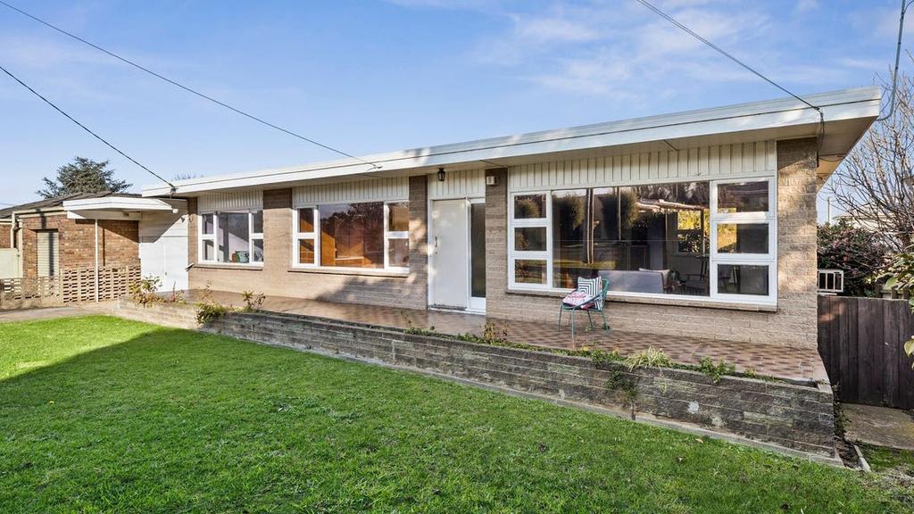 Retro Highton-huis verslaat reserve met $ 92K