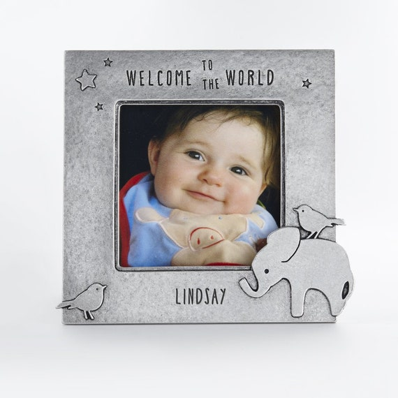 bijenkorf aangepaste gepersonaliseerde gegraveerde olifant foto frame kraamcadeau, babymeisje, babyjongen, genderneutraal eerste verjaardagscadeau door BeehiveHandmadeLLC