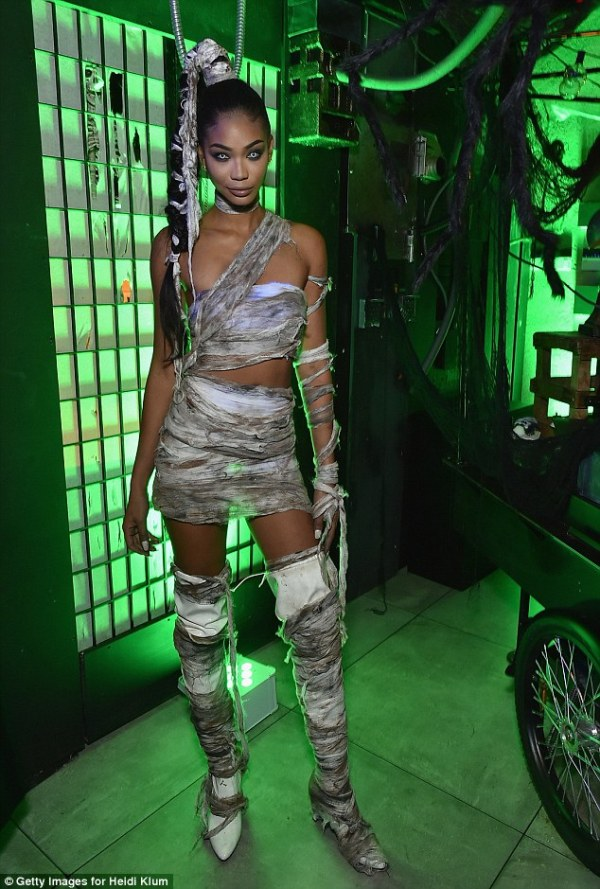 39f0142500000578-3893560-model_chanel_iman_struck_just_the_right_balance_between_sexy_and-a-58_1478005614682
