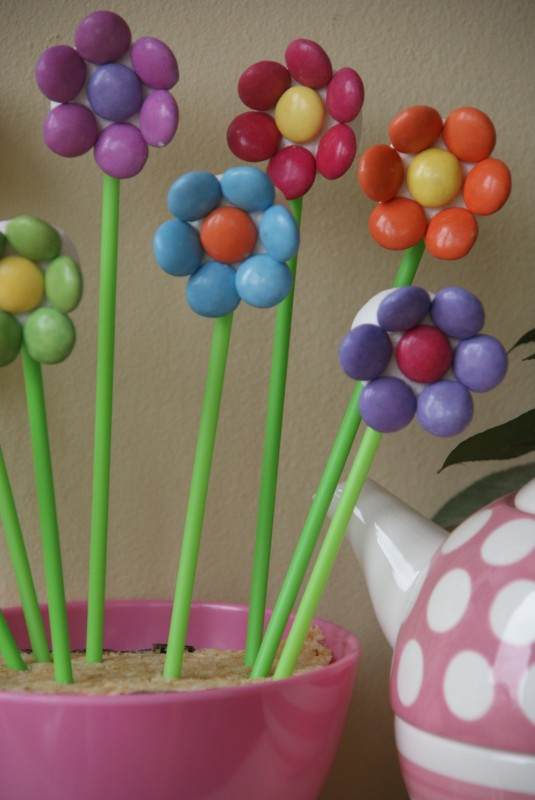 Crafts for Girls: Marshmallow Flowers