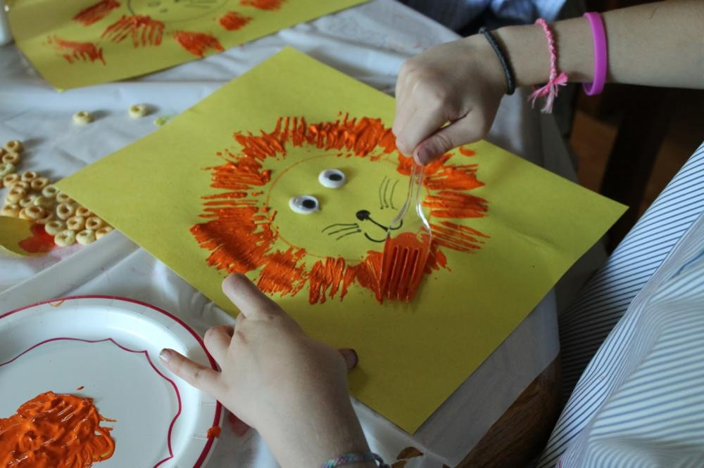 The Best Easy and Fun Crafts For Toddlers, 25 Ideas to Try