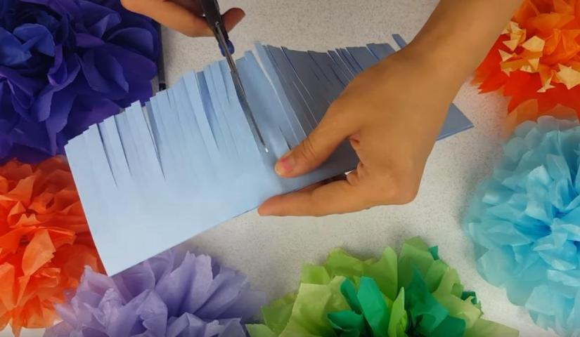 How to Make Giant Paper Flowers Small Centre