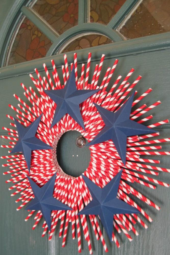 Holiday Craft Straw