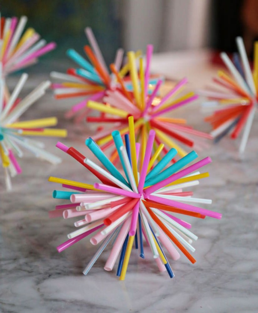 Holiday Crafts for Kids Straw Star