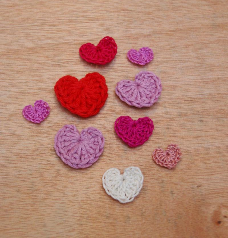 crochet heart pattern coaster