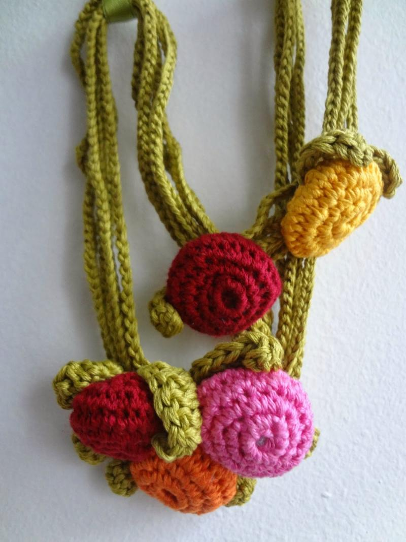 crochet necklace design