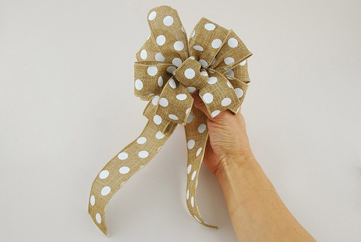 how to tie a bow for present