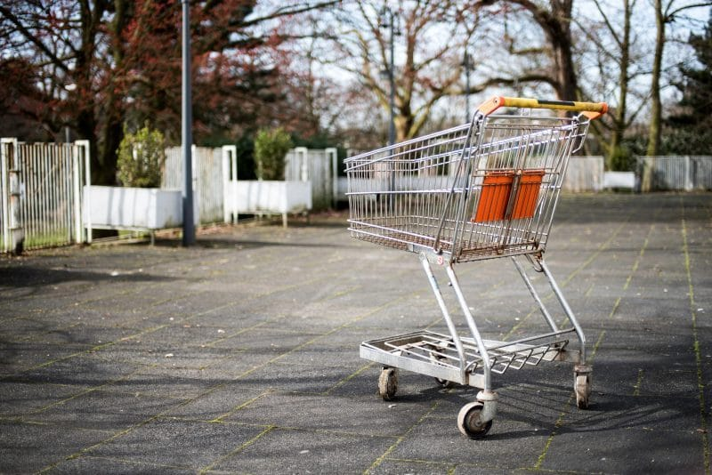Moving On: a shopping cart - triggers at the store