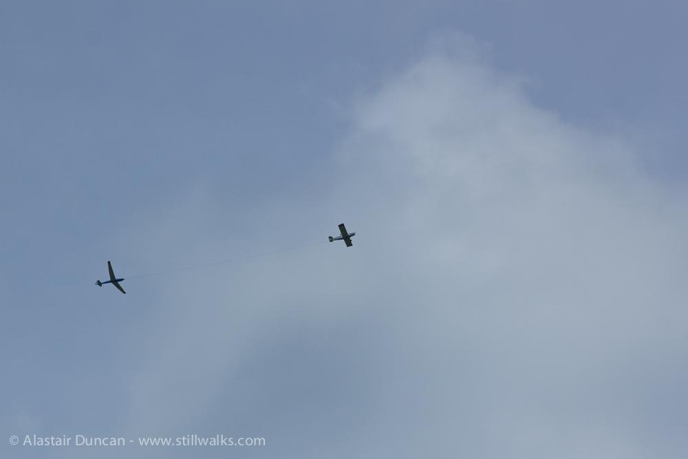 plane towing glider