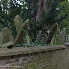 Lazy gravestones