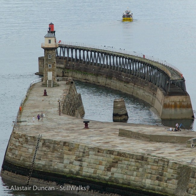 Harbour wall right