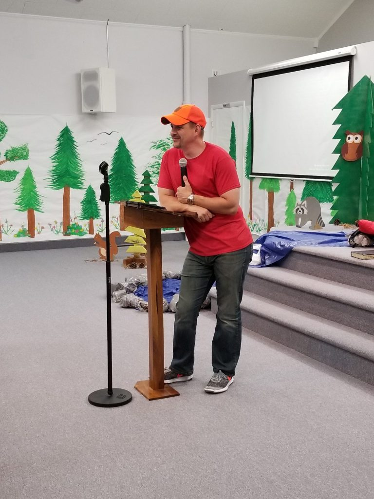 Pastor Gipp preaches at VBS