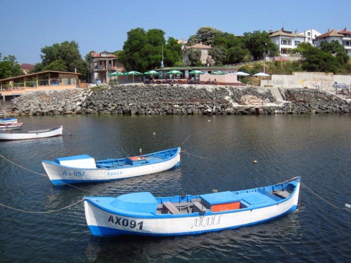 Лодки - Ахтопол
