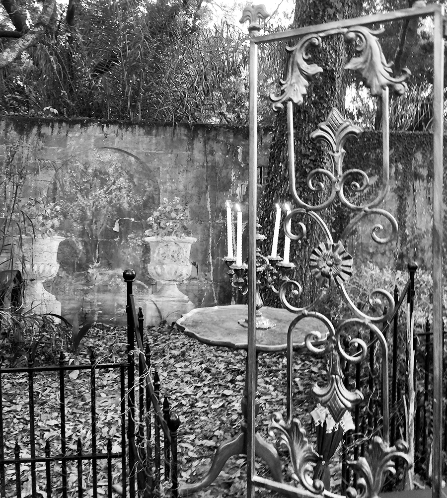The gates to past and future