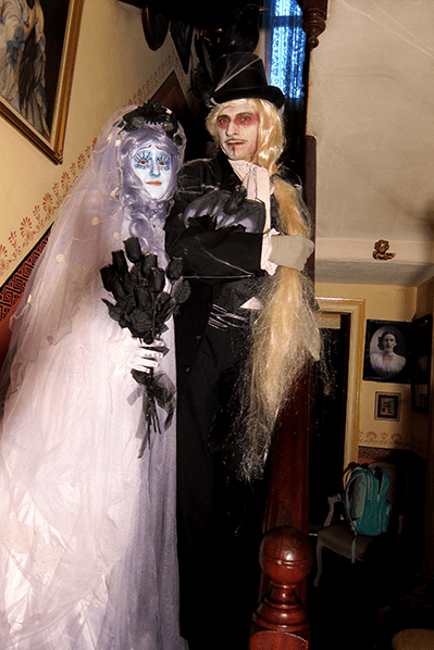 14_STILT-TERRIFIC Corpse Bride - Groom