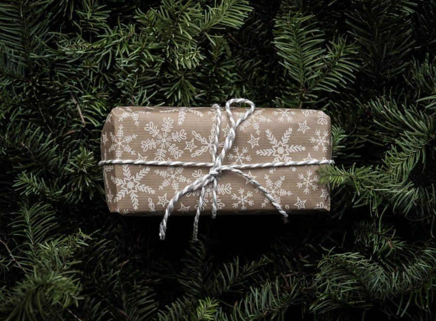 Vi er midt i november, og jaggu er det ikke på tide å tenke på julegaver – og miljøvennlig julegaveinnpakning!