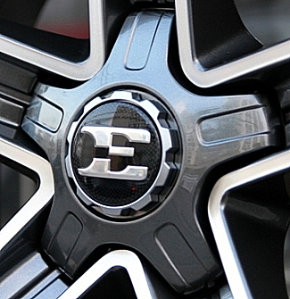 kia stinger e wheel cap close up