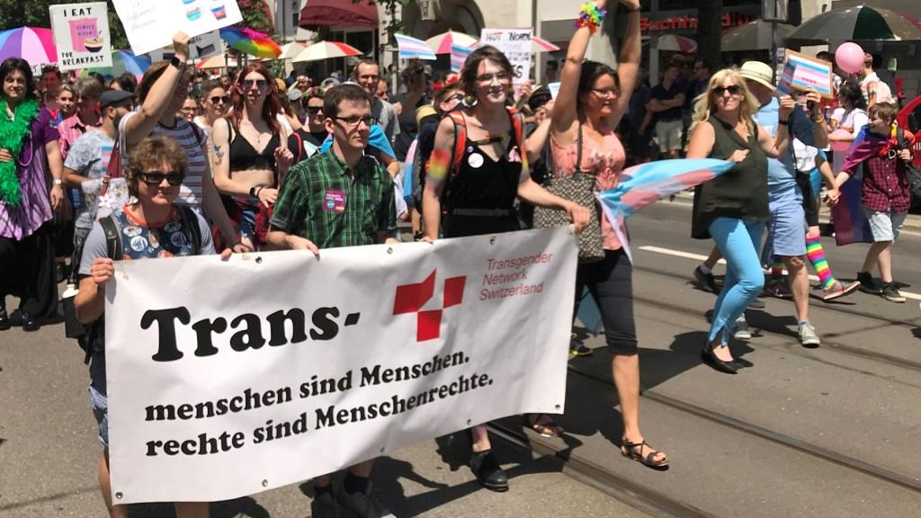Erfolg für minderjährige trans Menschen