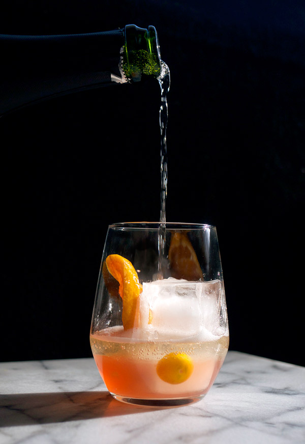 Sparkling and Spiced Winter Sangria // stirandstrain.com
