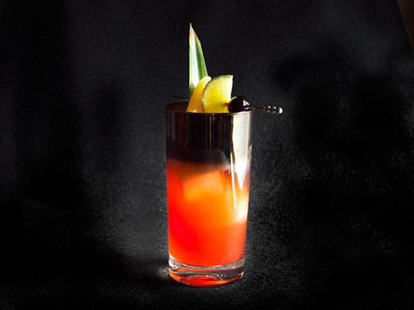 Sparkling Jungle Bird #Cocktail // stirandstrain.com