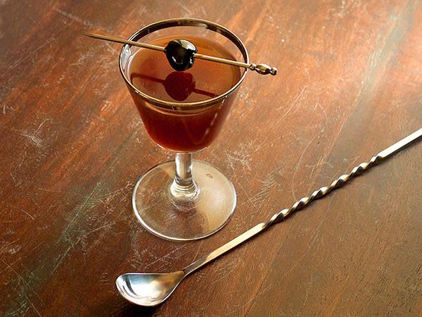 Chocolate Rye Cocktail // stirandstrain.com