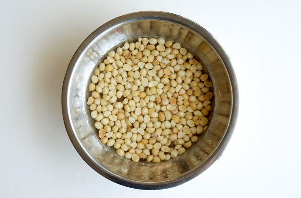 Make It: Macademia Nut Orgeat // stirandstrain.com