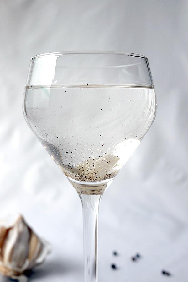 The Best Vodka Martini: with garlic and black pepper // stirandstrain.com