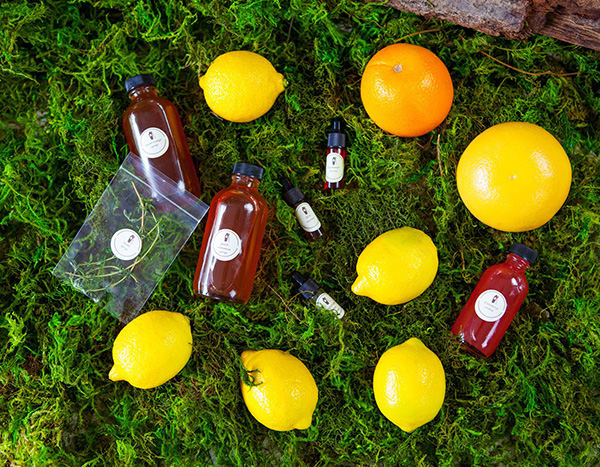 Giveaway: Summer Scotch Box Cocktail Kit // stirandstrain.com