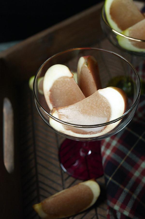 Caramel Apple Jellies with Everclear // stirandstrain.com