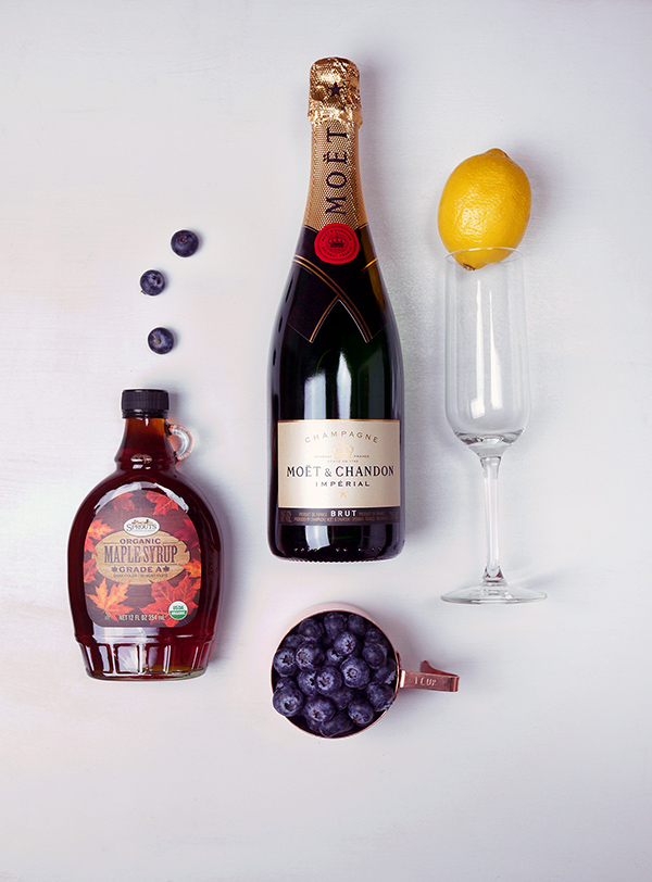 Maple Blueberry Sparkling Cocktails //stirandstrain.com
