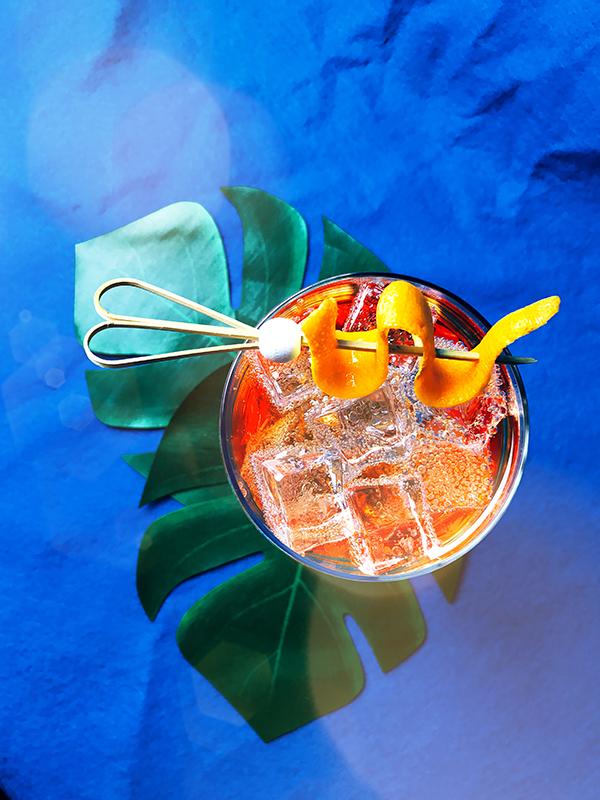 Monday Booze News: pool draaaannnnks // stirandstrain.com