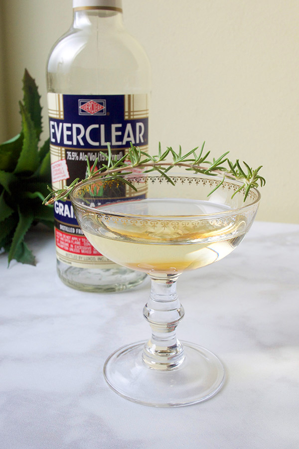 Adding Aroma to Cocktails: California Coast Tincture with Everclear // stirandstrain.com