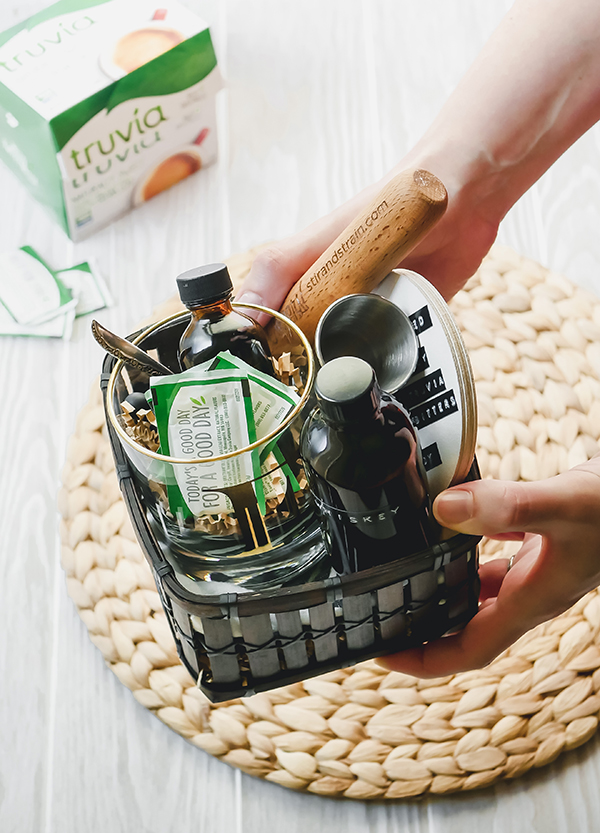 Crafting a Cocktail Kit with Truvia // stirandstrain.com