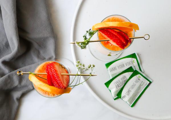 Truvia Strawberry Orange Mimosa // stirandstrain.com