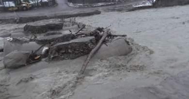 Dezastre provocate de ploi.  Poduri din Bozioru, Lopătari și Cănești doborâte de ape.