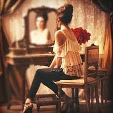 De ce nu e bine sa te uiti in oglinda noaptea. Cele mai puternice superstitii legate de oglinzi