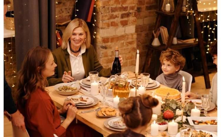 Excesul alimentar de sărbători, extrem de periculos pentru sănătate. Ce combinații ar trebui să facem la masa de Crăciun și ce să evităm